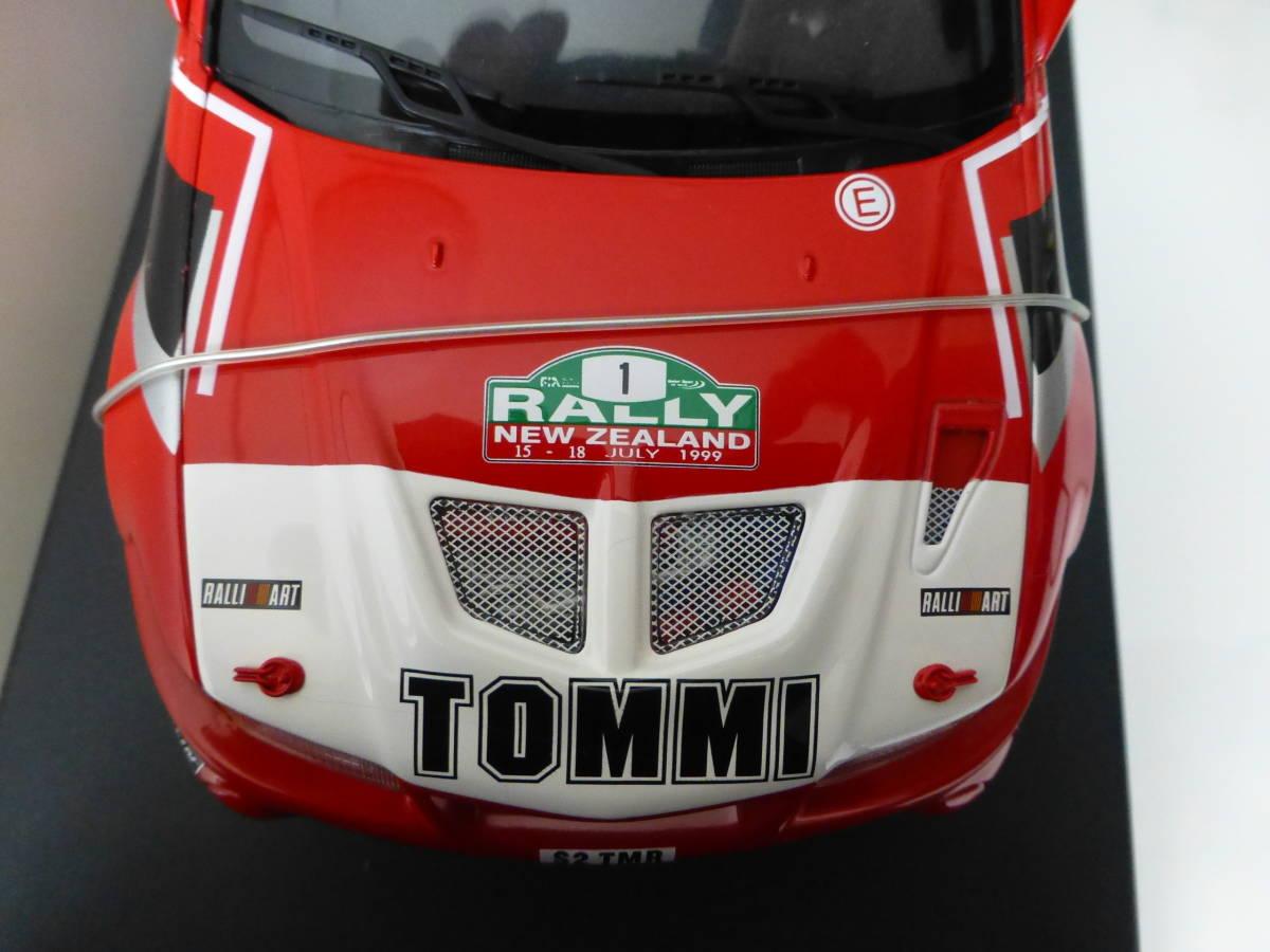 オートアート 1/18 三菱 ランサーエボリューション VI WRC 1999 #1 トミ・マキネン ラリーニュージーランド優勝車 _画像6