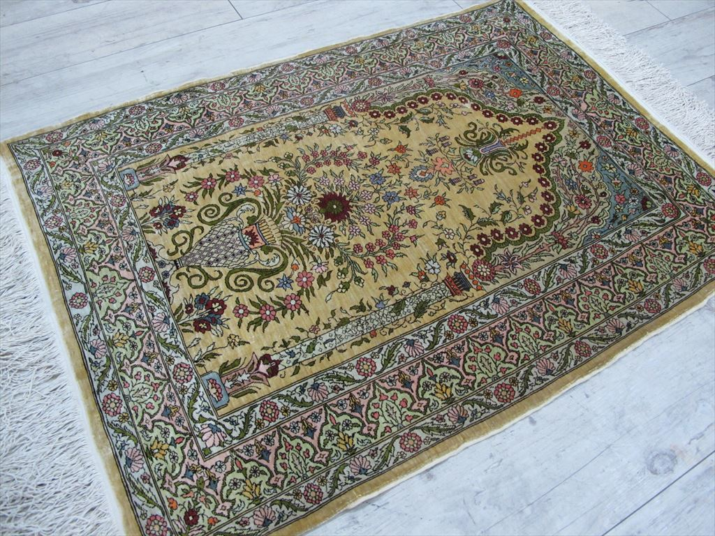 逸品!緻密10ノット 最高級シルク ペルシャ絨毯 玄関マットサイズ 93×66_画像2