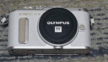 OLYMPUS ミラーレス一眼 E-PL8 ダブルズームキット _画像2