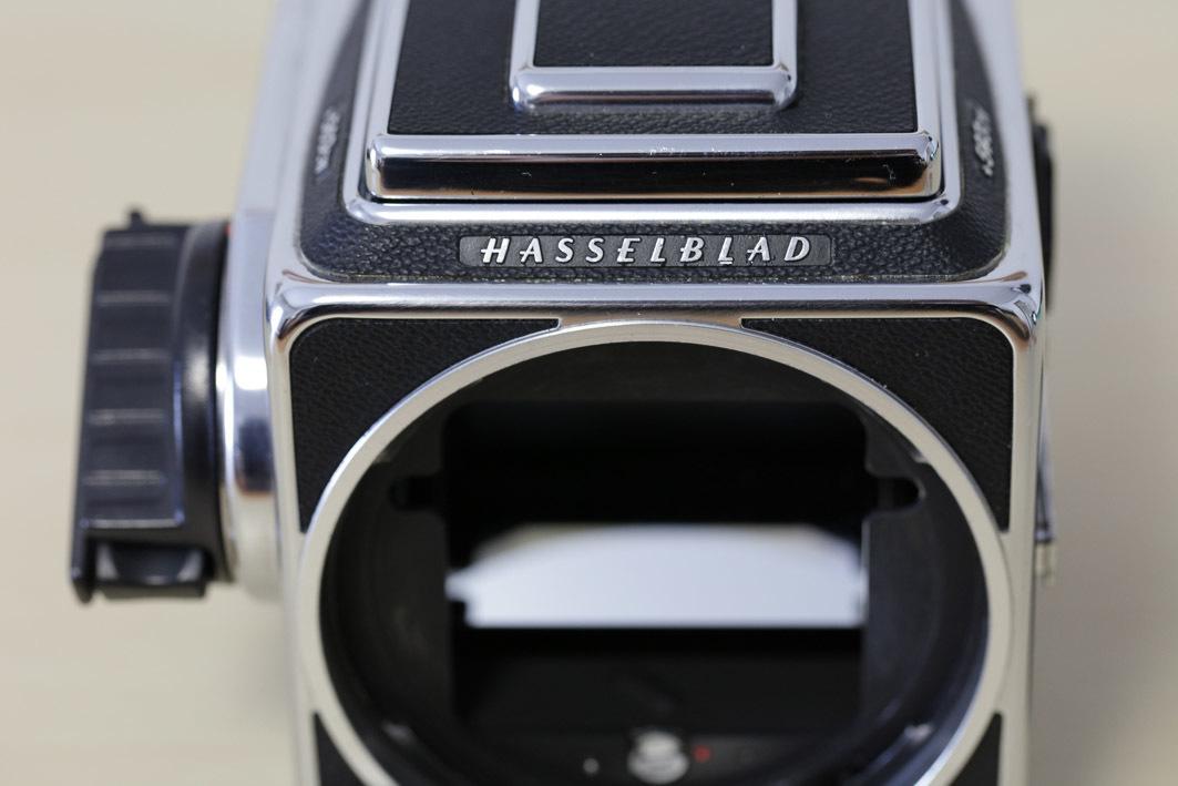 HASSELBLAD ハッセルブラッド 503CW + A12マガジン 6x6 中判カメラ_画像3