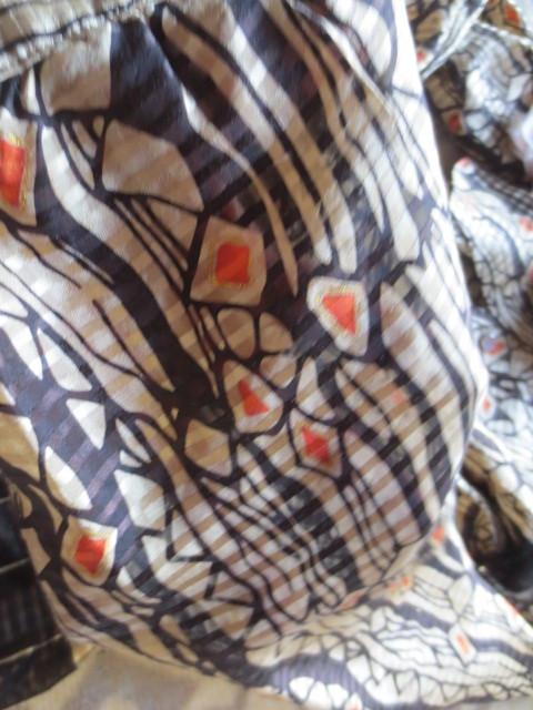 アクアスキュータム☆彡美しき絹素材☆彡エレガンスでリッチスタイル☆彡ラグジュアリーな2ピーススタイルブラウスリボン&スカート☆彡_画像9