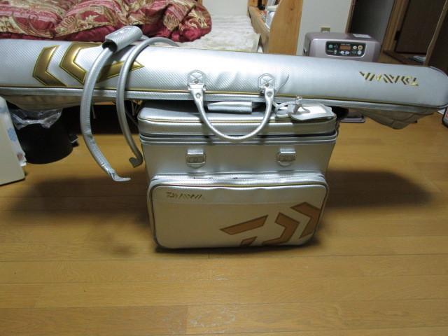 ☆ダイワ ヘラバック 50L&ロッドケース シルバー☆超美品