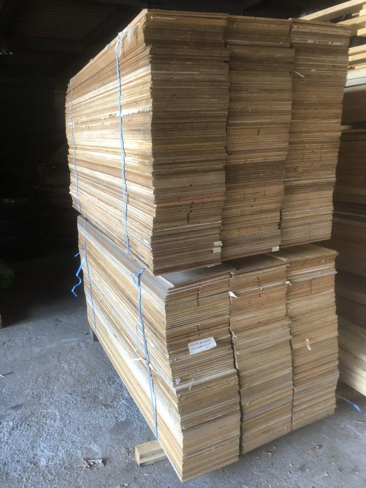 引き取り限定!大阪南部発!売り切り!中古 フローリング ベニヤ板 梱包用 敷き板 下地板 クッション材 約500kg_画像1