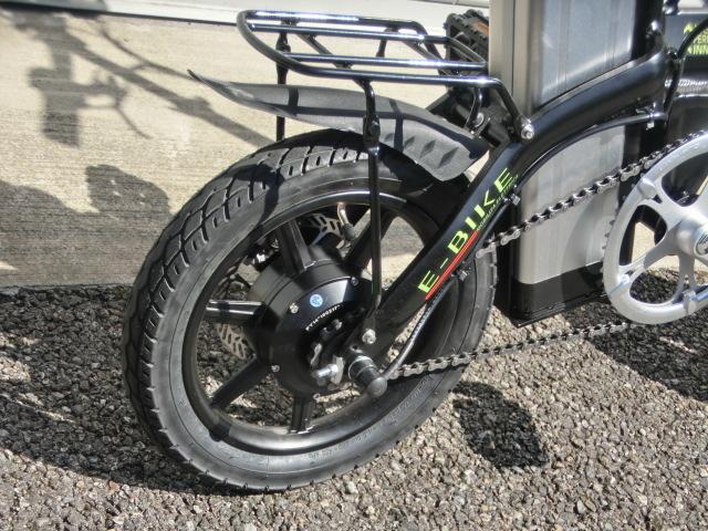 ①スタ 売り切り  アクセル付き 14インチ折り畳み電動自転車 試乗展示車 黒 _画像3