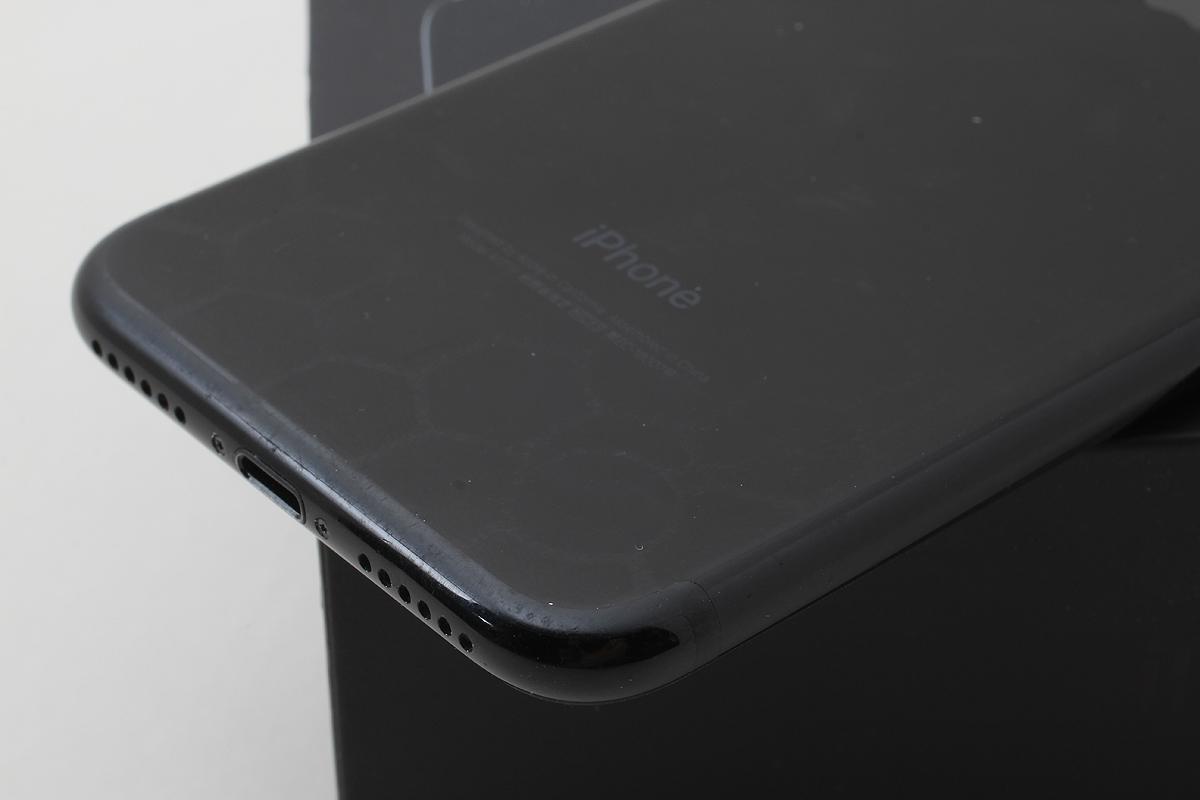 ★美品★iPhone 7 128GB ジェットブラック(au) 判定〇 バッテリー残量89% アクティベーションロック解除済★元箱付★ #7-71_画像5