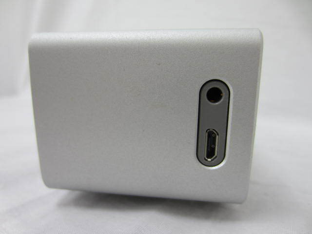BOSE ボーズ 【SoundLink MiniⅡ】 サウンドリンクミニ2 Bluetoothスピーカー 音出し確認済 中古品 シルバー 説明書あり_画像4