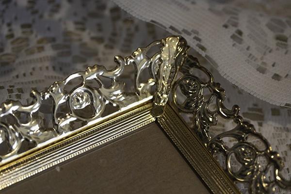 アンティーク 額縁 バニティミラートレイ ジュエリー 香水瓶置 バラ ゴールドフィリグリー フレーム ビンテージインテリアディスプレイ什器_画像5