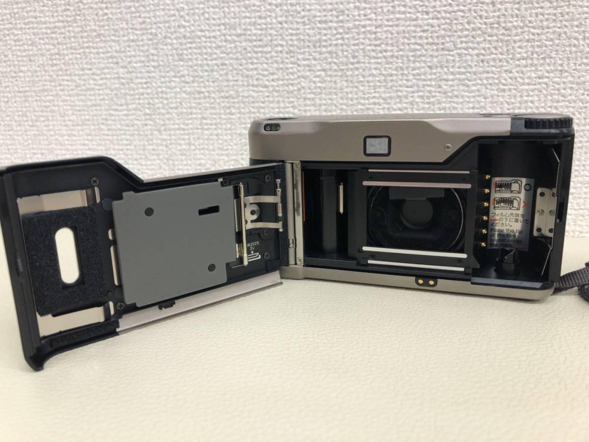 コンタックス CONTAX T2 Carl Zeiss Sonnar 38mm F2.8 T* コンパクトフィルムカメラ ストラップ・収納ケース付き【中古・現状品】_画像4