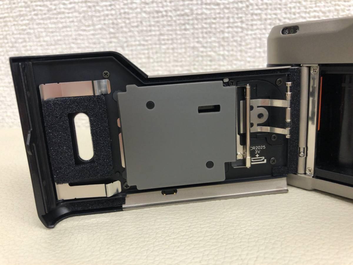 コンタックス CONTAX T2 Carl Zeiss Sonnar 38mm F2.8 T* コンパクトフィルムカメラ ストラップ・収納ケース付き【中古・現状品】_画像6