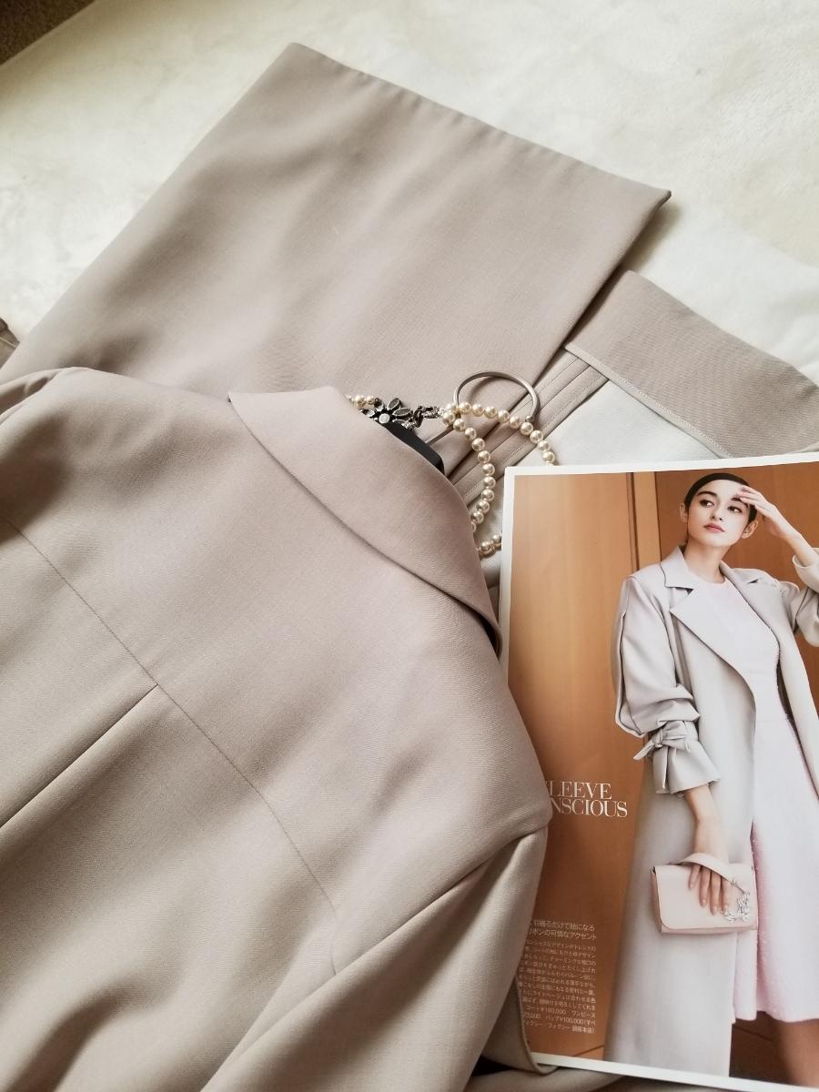 FOXEY 42【Coat Sleeve Conscious】2018年DM掲載25ansブレンダさん着 軽く羽織るだけで絵になる袖コンシャスな春のコート ワンピースに_画像9