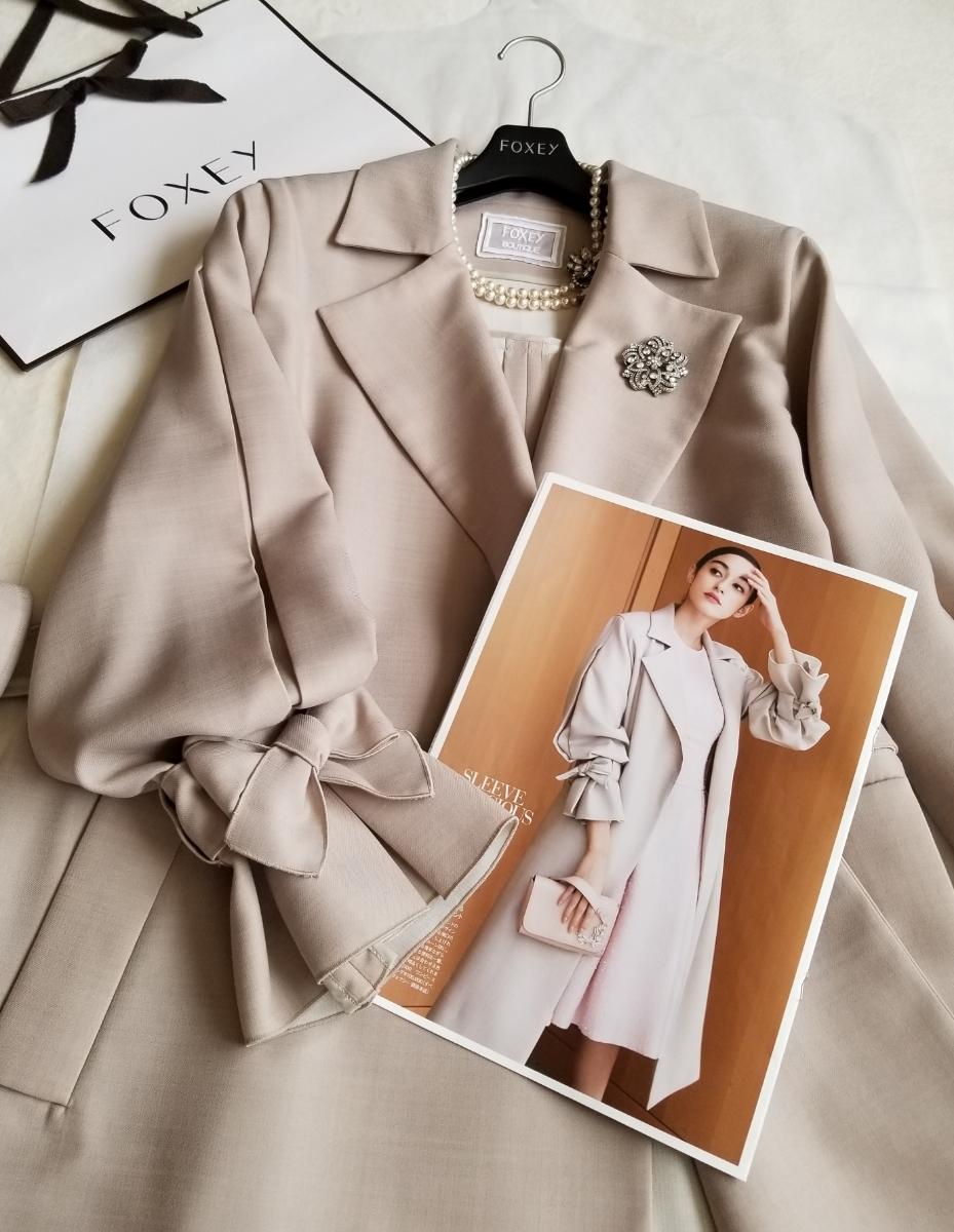 FOXEY 42【Coat Sleeve Conscious】2018年DM掲載25ansブレンダさん着 軽く羽織るだけで絵になる袖コンシャスな春のコート ワンピースに_画像6