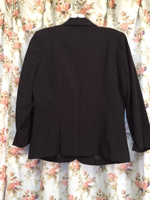 7933 パンツスカート3点セット 七分袖スーツ 11号 オフィス ビジネススーツ セレモニー アウトレット商品 新品(BK/S)_画像2
