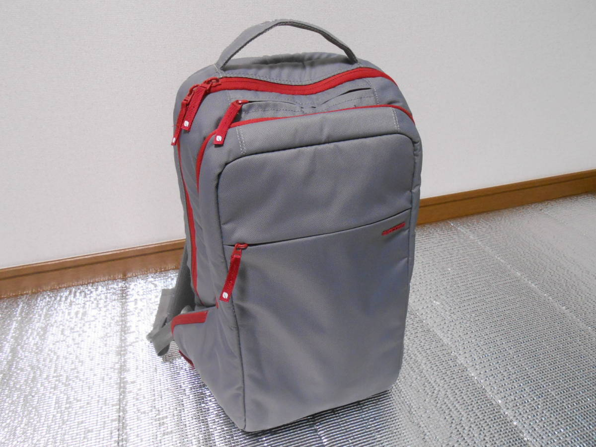 Incase インケース ICON Slim Pack Backpack Apple Lucky Bag 2015 限定 MacBookやiPad、iphoneに_画像1