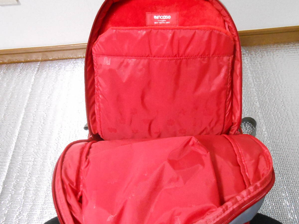 Incase インケース ICON Slim Pack Backpack Apple Lucky Bag 2015 限定 MacBookやiPad、iphoneに_画像5