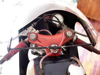 アエルマッキ アラドーロ 250 (レーサー) 1965年式 通関証渡し イタリアから個人輸入_画像3