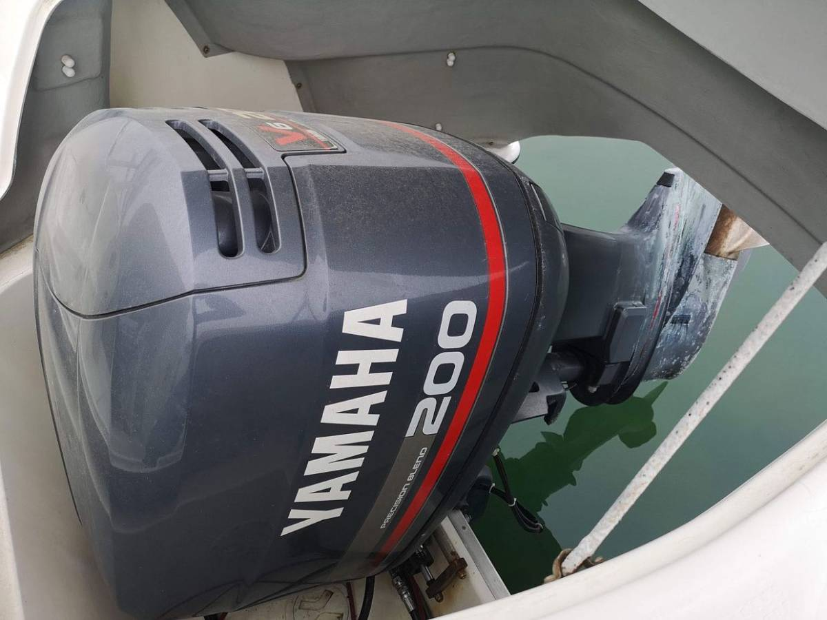 【boatflow.jp】YAMAHA CR-27 HT 200馬力船外機 _画像10