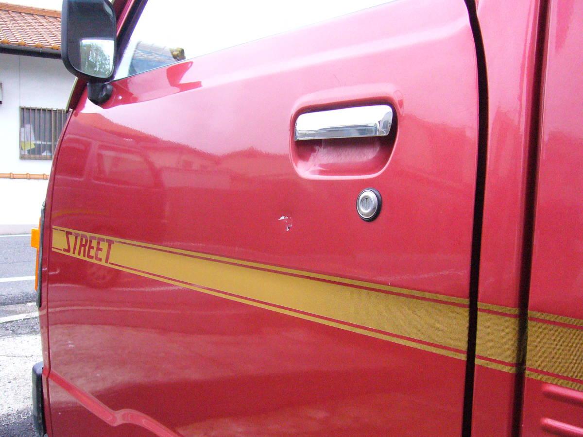 旧車 ホンダ TNアクティ ストリートL ハイルーフ バン AT 昭和58 ワンオーナー 走行少 約40000キロ 歴代記録簿あり レトロ ホンダマチック_ドアハンドル下に凹み傷