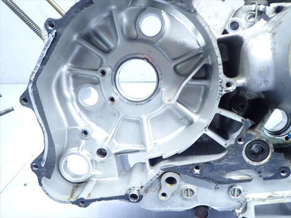 εM28-43 ヤマハ ドラッグスター400 VH01J (H14年式) 走行距離29851㌔ エンジン クランクケース 左側 破損無し!_画像7