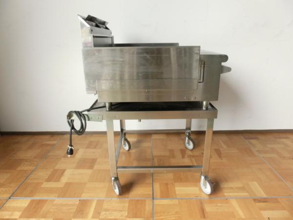 中古厨房 業務用 コメットカトウ グリドル 台付 都市ガス 鉄板焼き お好み焼き 焼きそば CGH-675G W600×D510_画像5