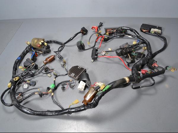 優良販 VFR800P RC49 本物白バイ 純正メインハーネス インジェクションコントローラー_画像1