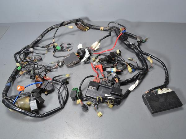優良販 VFR800P RC49 本物白バイ 純正メインハーネス インジェクションコントローラー_画像2