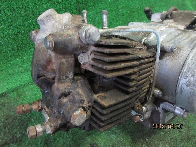 C100スーパーカブピノキオ純正部品取り修理ベースエンジン☆クランクキング、チェンジOK!検C105、102、2つ星吊りカブOHV_画像4