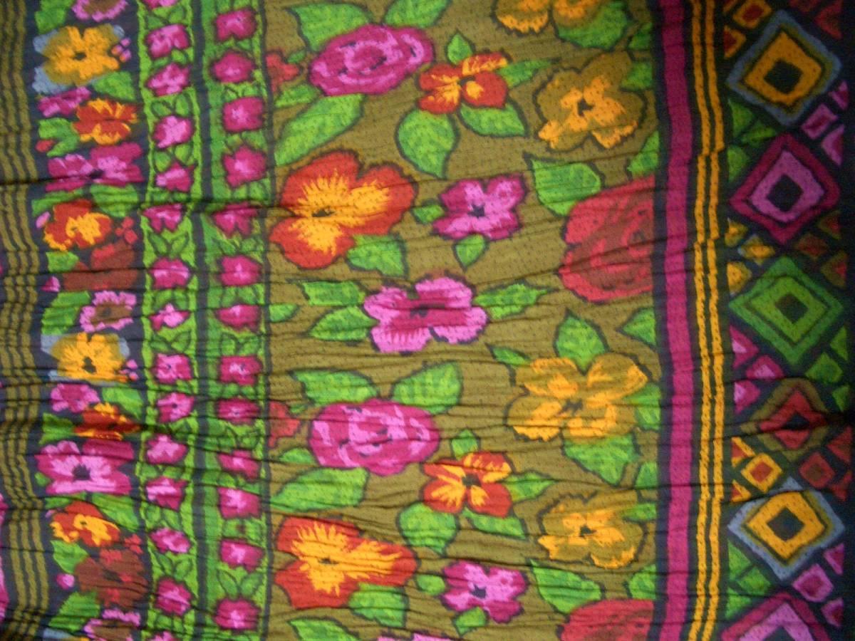 ハンドメイド※ギャザースカート※しわ加工※インド綿?※裏付き※旅行用品※エスニック柄・花柄※ピッタリサイズウエスト67cm