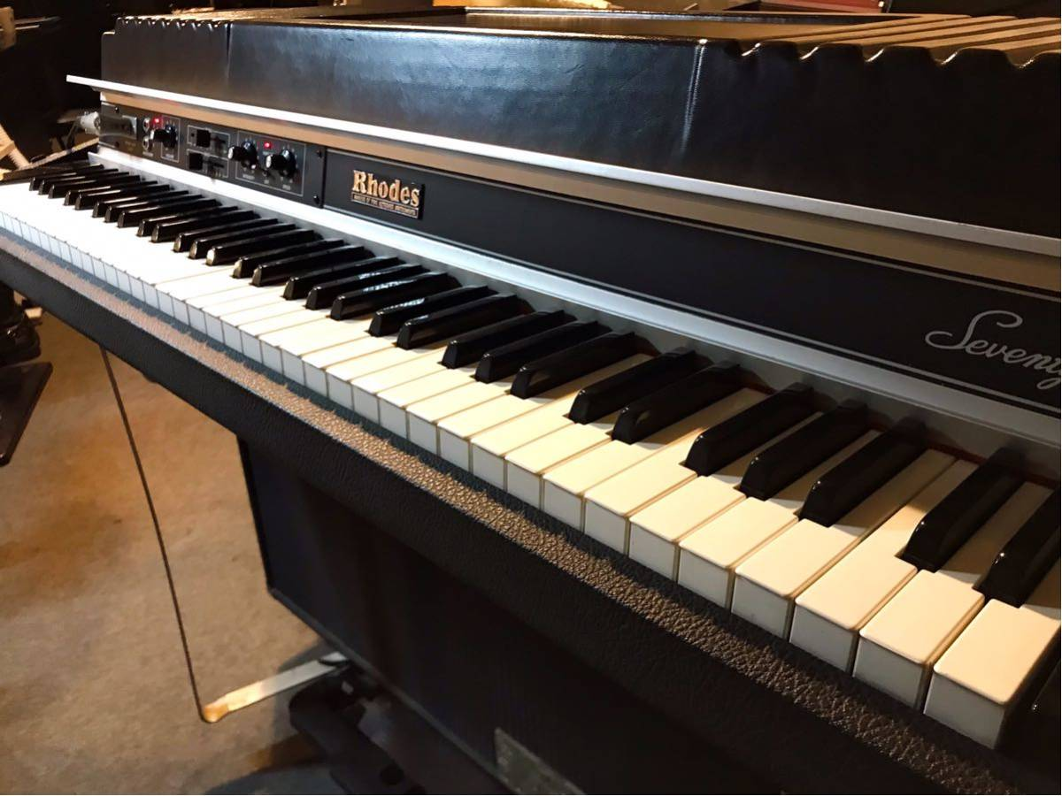 Rhodes Piano Mark II Suitcase 73(動作品)