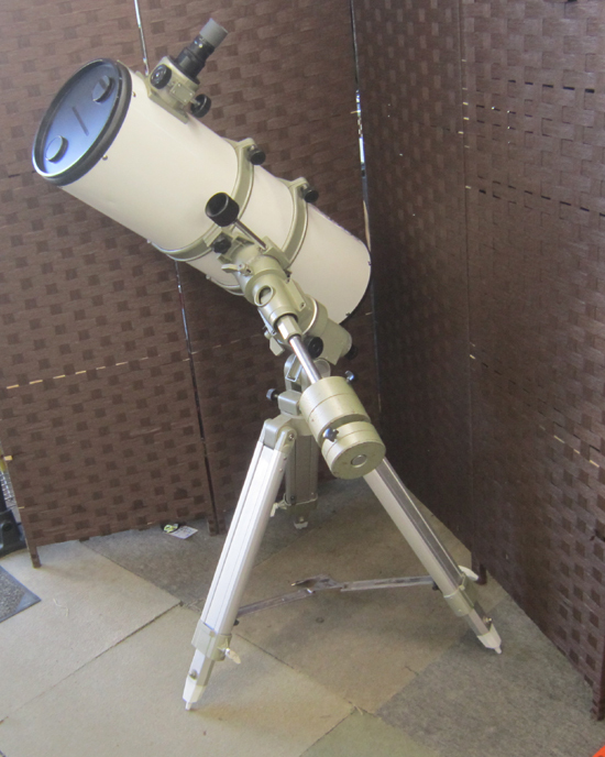 Vixen/ビクセン 天体望遠鏡 VG-R200SS 三脚付き 反射望遠鏡筒 ニュートン_画像2