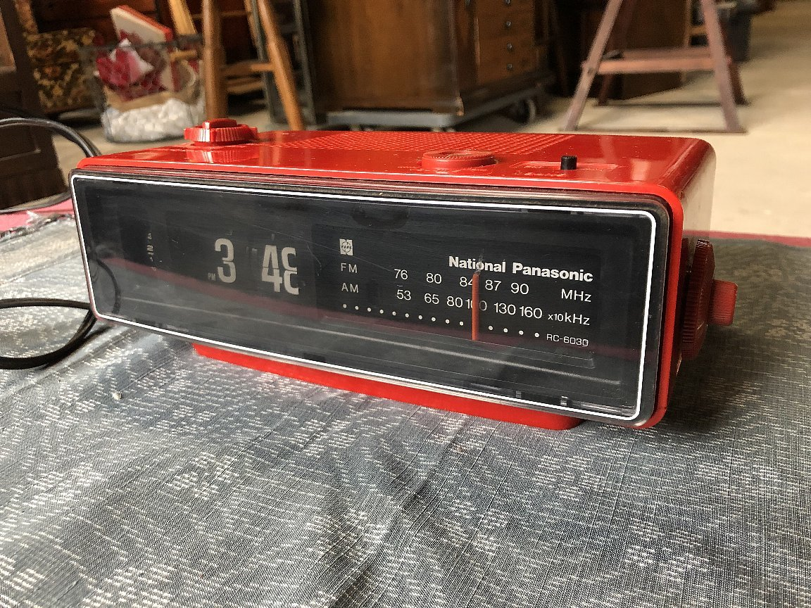 パタパタ時計AM&FMラジオ付き ナショナルパナソニック製▼昭和レトロ置時計稼働品_画像2