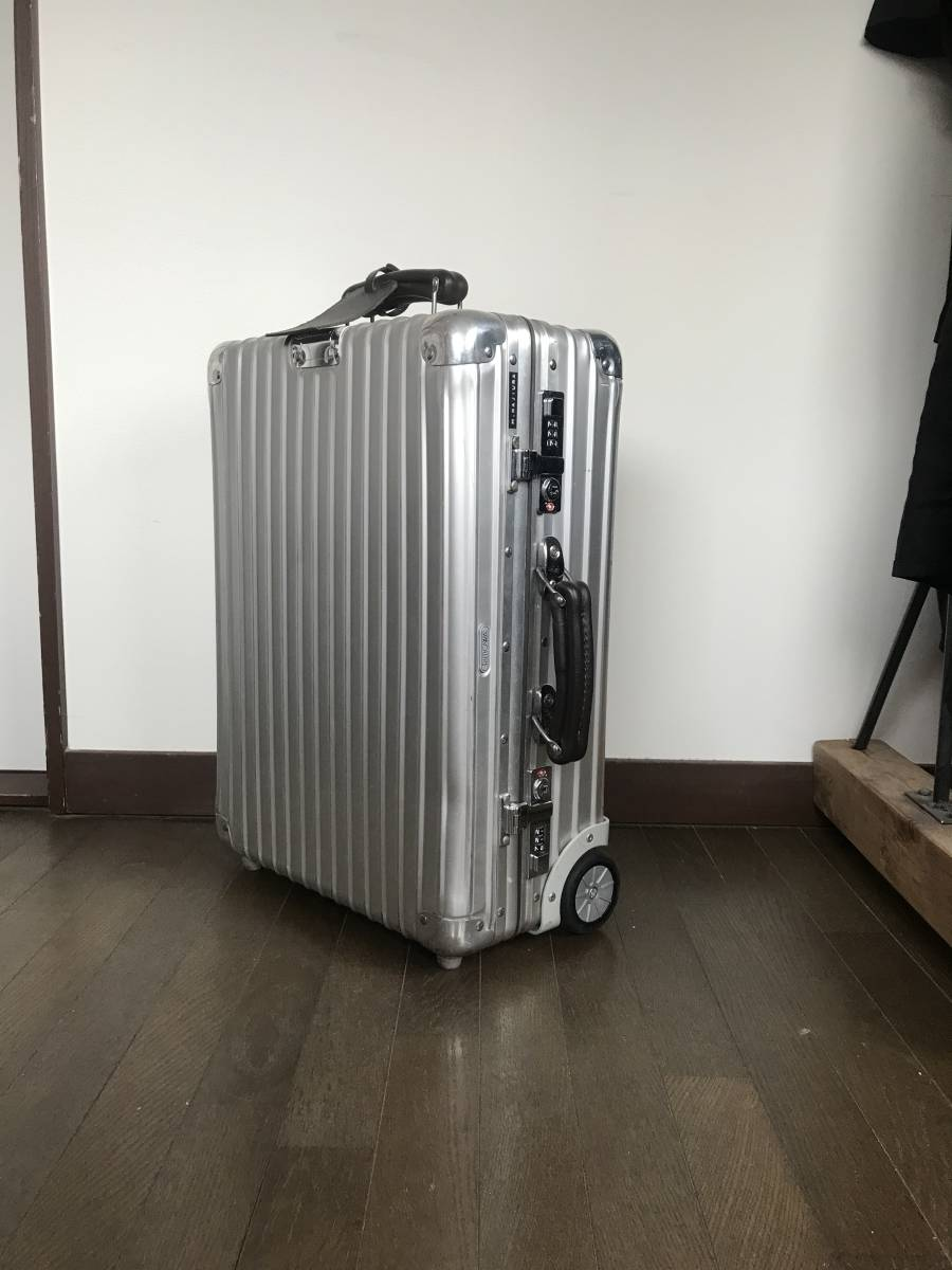 [希少] RIMOWA CLASSIC FLIGHT リモワ クラシックフライト 35L/2輪 検索用 機内持ち込み 青ロゴ スーツケース off white [廃盤]