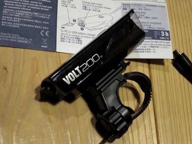 ★CAT EYE キャットアイ VOLT200; USB充電 自転車用ライト フロントヘッドライト 100円スタート_画像3