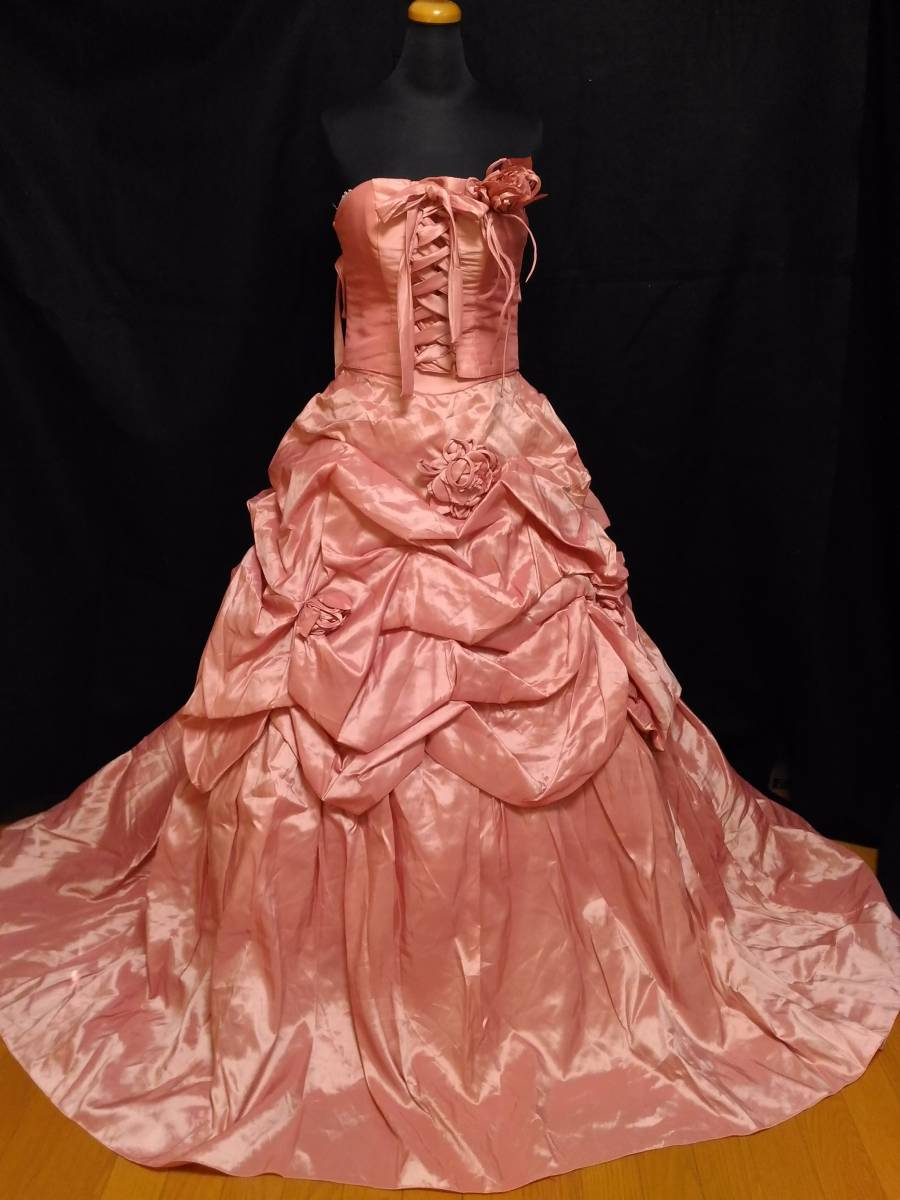 チェリーピンクのサテン地ドレス、編み上げベアトップ・サイズフリー