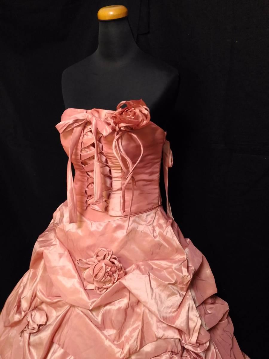 チェリーピンクのサテン地ドレス、編み上げベアトップ・サイズフリー_画像2