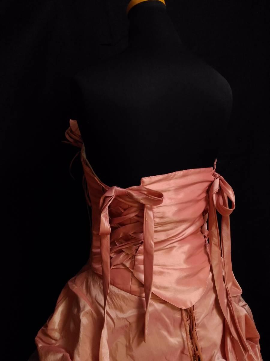 チェリーピンクのサテン地ドレス、編み上げベアトップ・サイズフリー_画像7