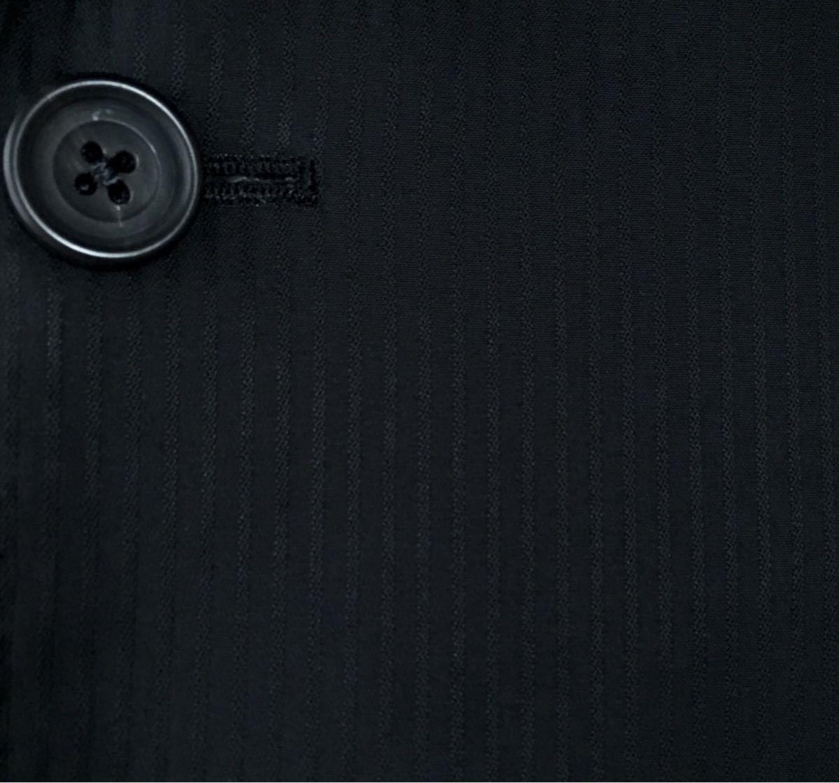 美品★アクアスキュータム★背抜き仕立て 黒 洗練されたお洒落な逸品!極上ブラックシャドーストライプセットアップスーツ/サイズ38(M位)330_画像7