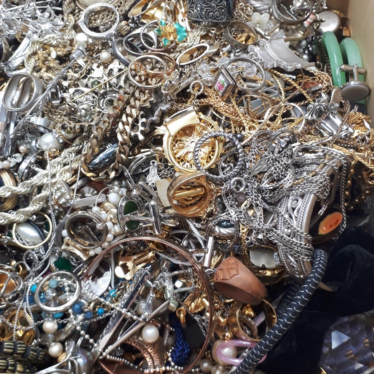10.3kg アクセサリー 大量 ネックレス 指輪 リング ペンダント ブローチ等 まとめ売り おまとめ まとめて セット 整理品 ヴィンテージ A2_画像5