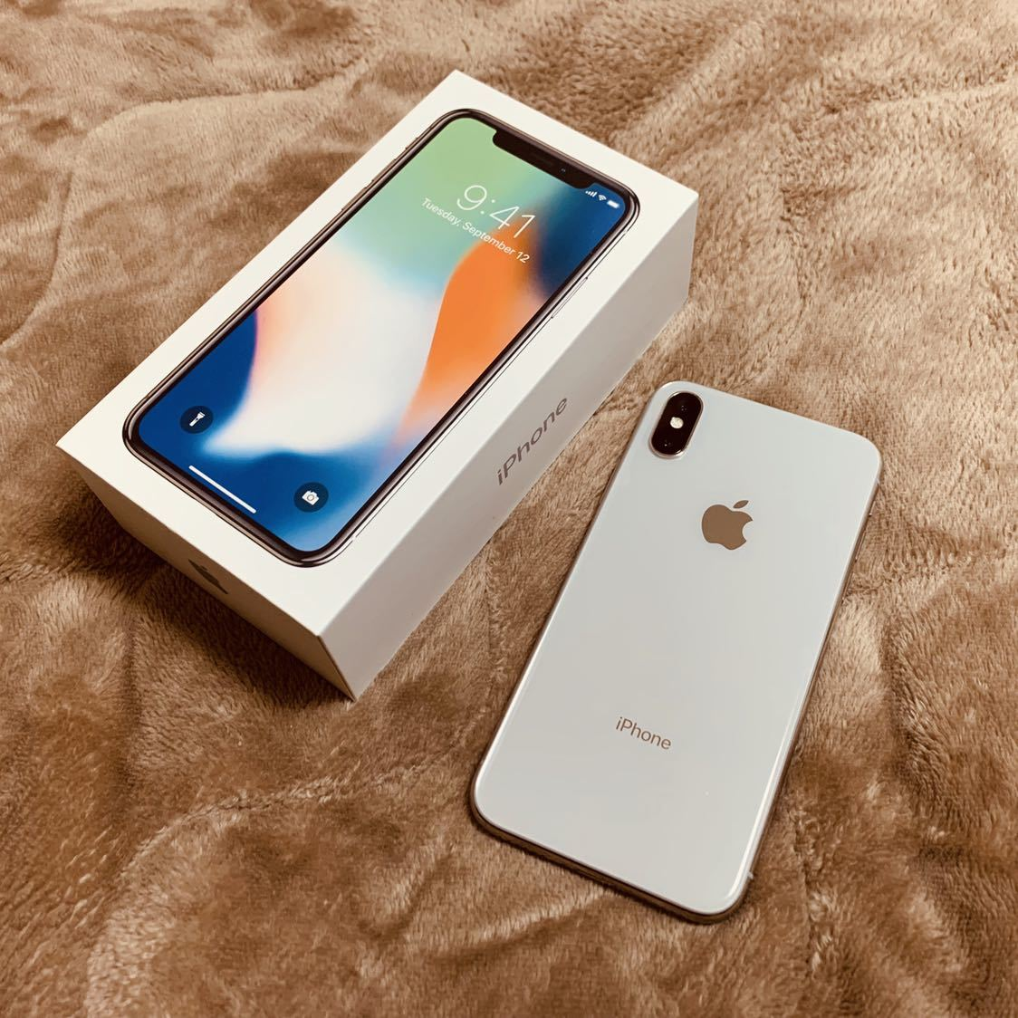 iPhone X シルバー 256GB(MQC22J/A)・SIMフリーモデル_画像3