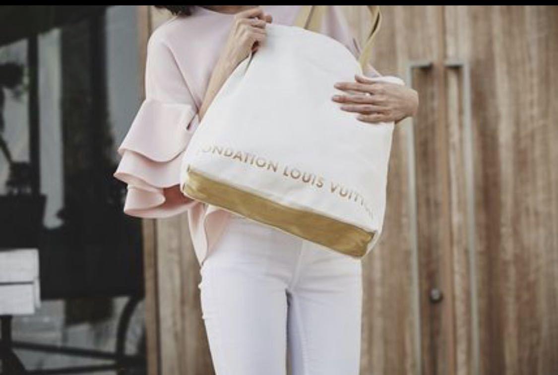 【即日発送】■新品 FONDATION LOUIS VUITTON ★ルイヴィトン美術館 限定品 トートバッグ 白色_画像6
