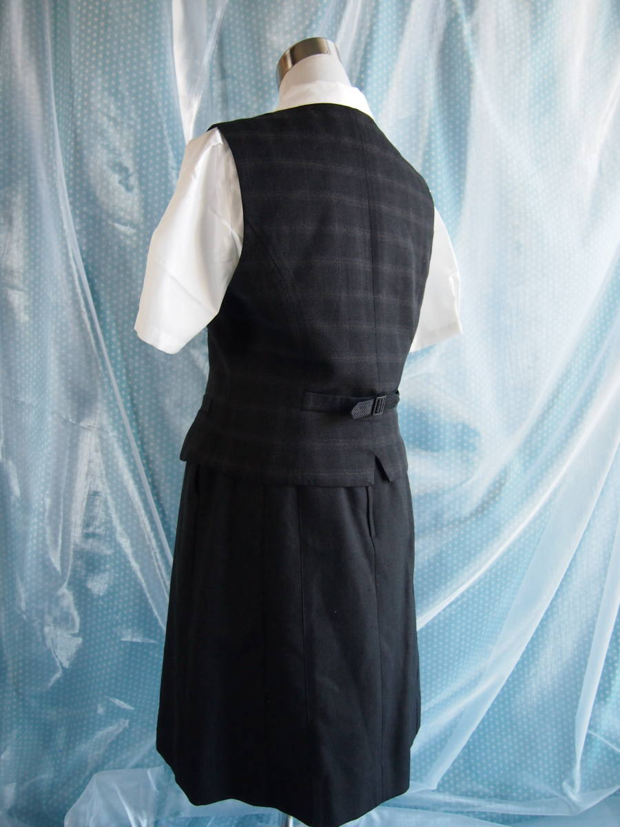 OL制服・事務服ALPHAPIER濃グレー格子ベスト・濃グレースカート 15号_画像2