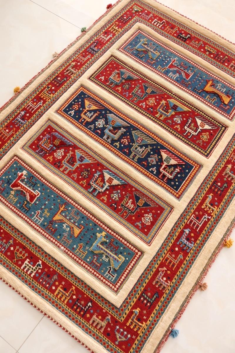 可愛すぎる ギャッベ王御所ゾランヴァリ社によるスマックと絨毯のコンビラグ 遊牧民の手作り 子供部屋にも 草木染ウール100% 145x105