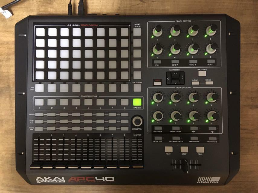 ☆ AKAI APC40 ☆ MIDIコントローラー 中古品_画像2