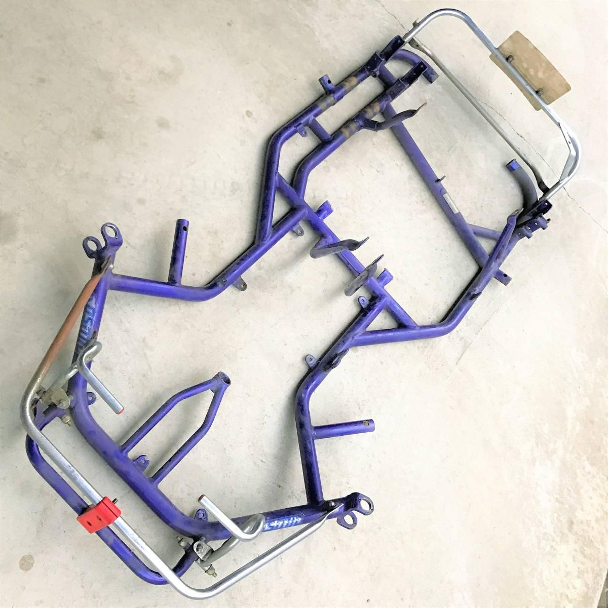 KOSMIC T4  рама  ... ... машина ... кузов   racing   машина ... ... машина ...  еще  можно использовать   рама      хотел бы передать из рук в руки ... просто  ...