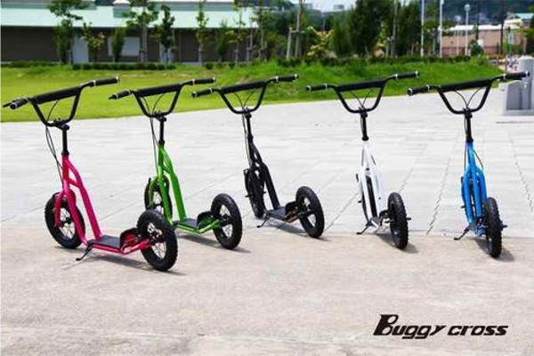 【新品1円~】Buggycross バギークロス ライムグリーン 12inch新感覚キックスクーター キックボード レジャー アウトドア No.2_画像8