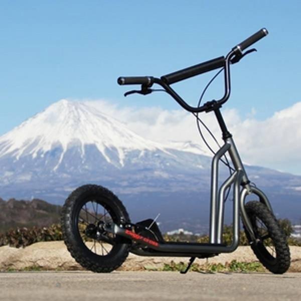 【新品1円~】Buggycross バギークロス ルナメタル 12inch新感覚キックスクーター キックボード レジャー アウトドア No.1_画像2