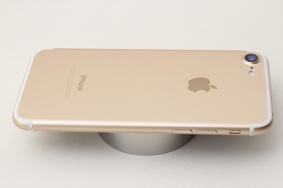 ★美品★iPhone 7 32GB ゴールド(Softbank) 判定〇 バッテリー残量87% アクティベーションロック解除済 #7-74_画像7