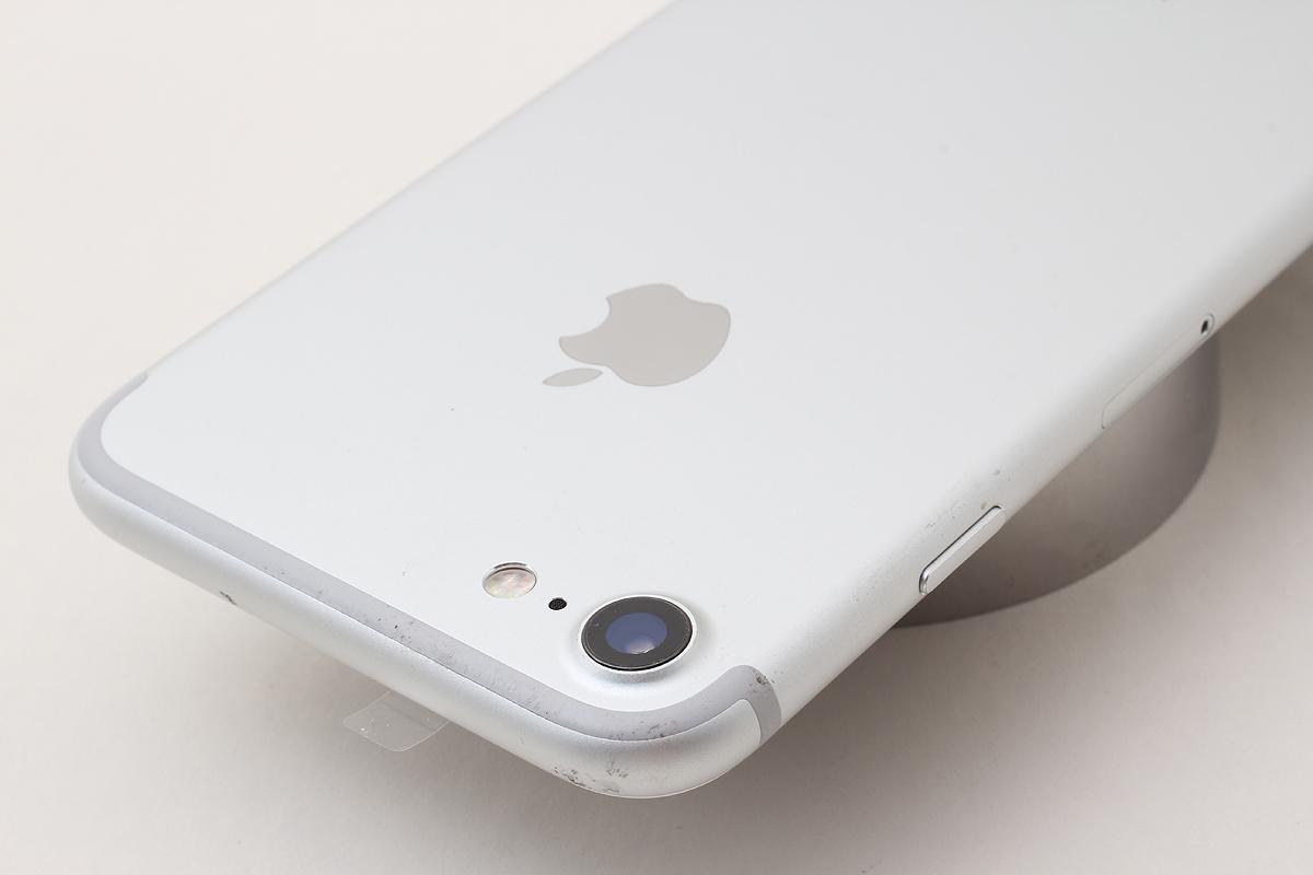 ★超美品★iPhone 7 128GB シルバー(Softbank) 判定〇 バッテリー残量87% アクティベーションロック解除済 #7-78_画像2