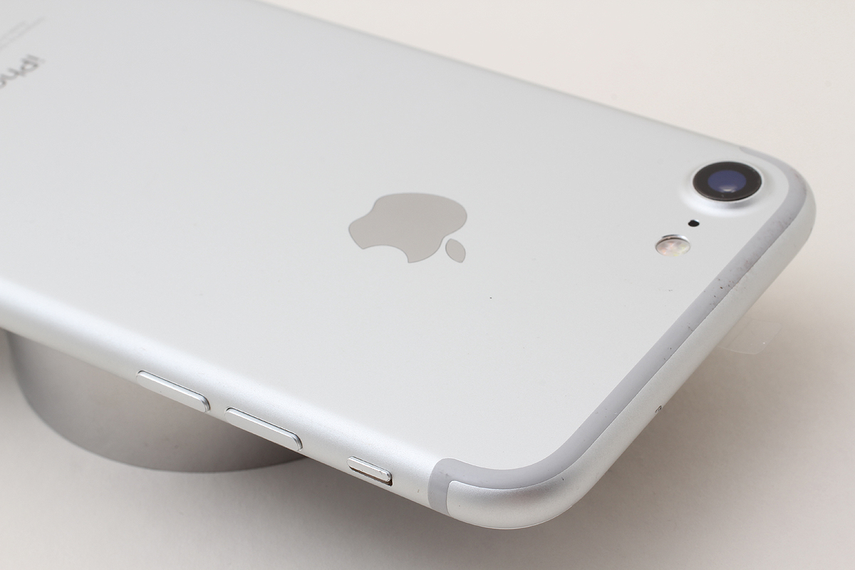 ★超美品★iPhone 7 128GB シルバー(Softbank) 判定〇 バッテリー残量87% アクティベーションロック解除済 #7-78_画像3