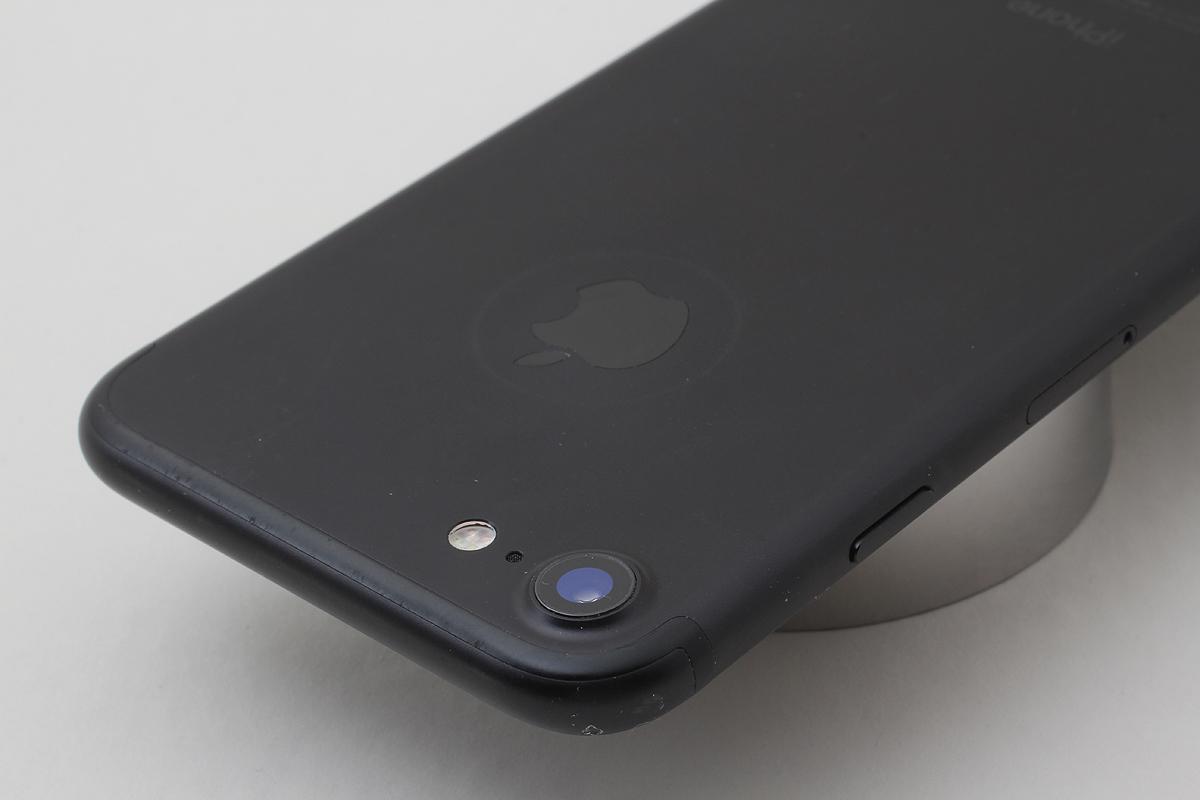 ★美品★iPhone 7 32GB ブラック(Docomo) 判定〇 バッテリー残量82% アクティベーションロック解除済 #7-81_画像2