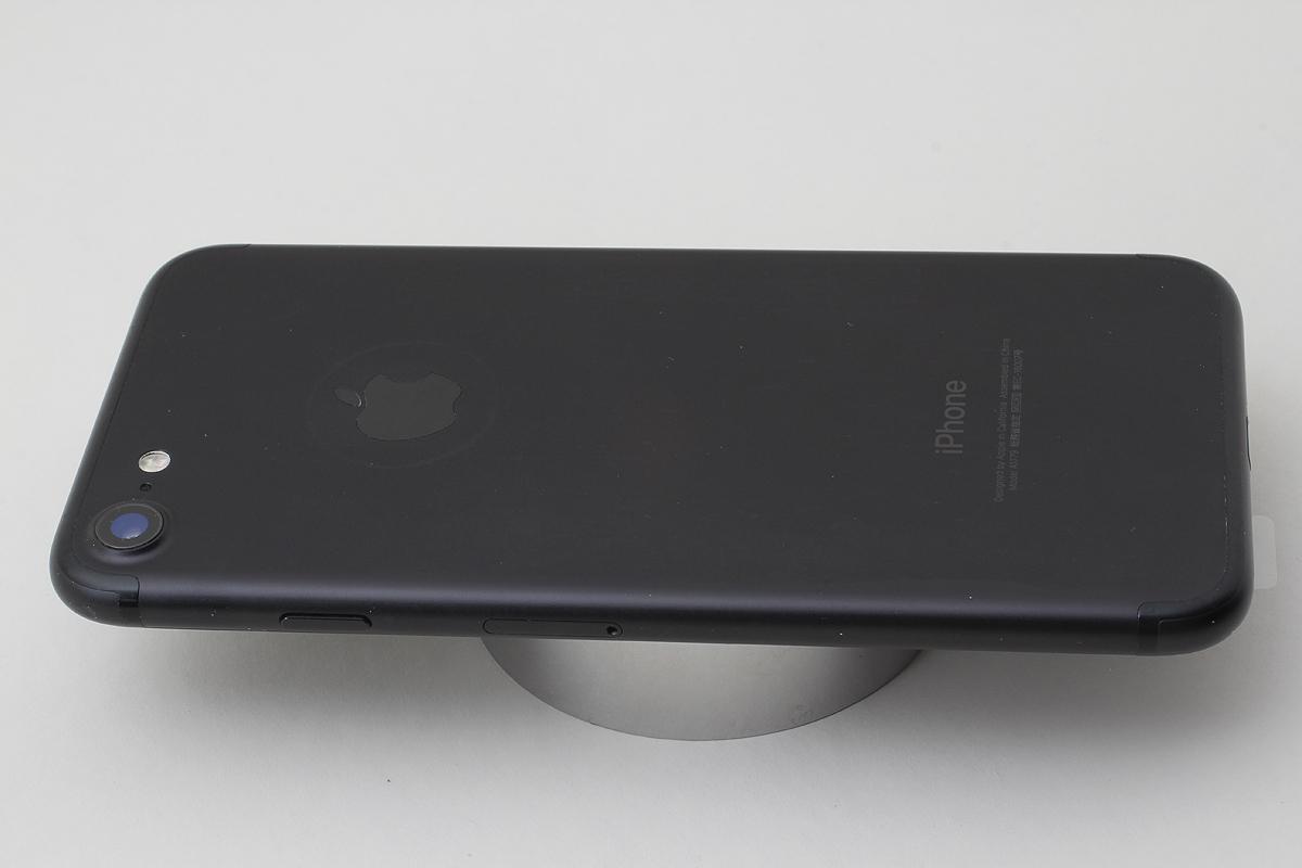 ★美品★iPhone 7 32GB ブラック(Docomo) 判定〇 バッテリー残量82% アクティベーションロック解除済 #7-81_画像6